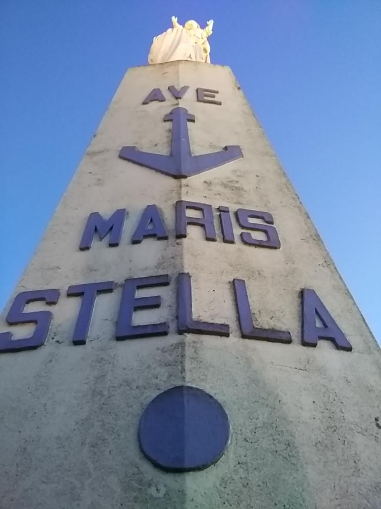 Monumento a la Virgen en Ciboure